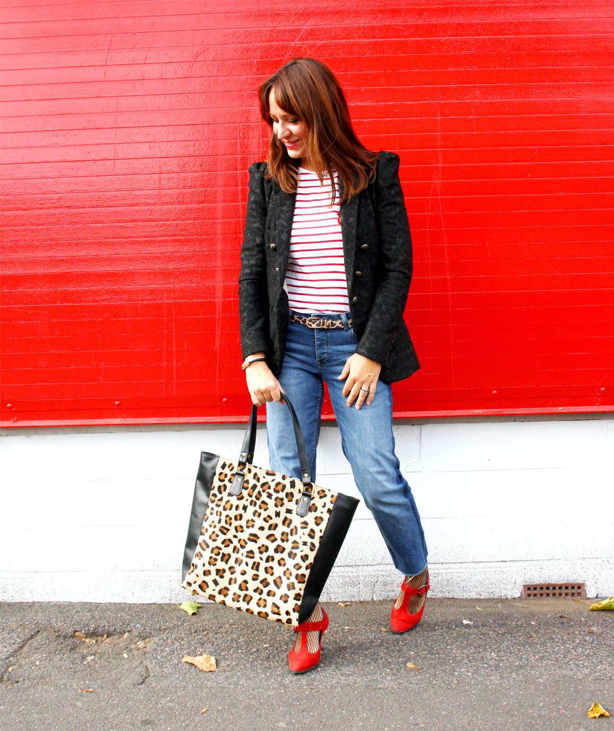 Leopard bag and red shoes
